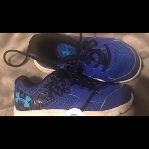 Under armour boys size 7 toddler